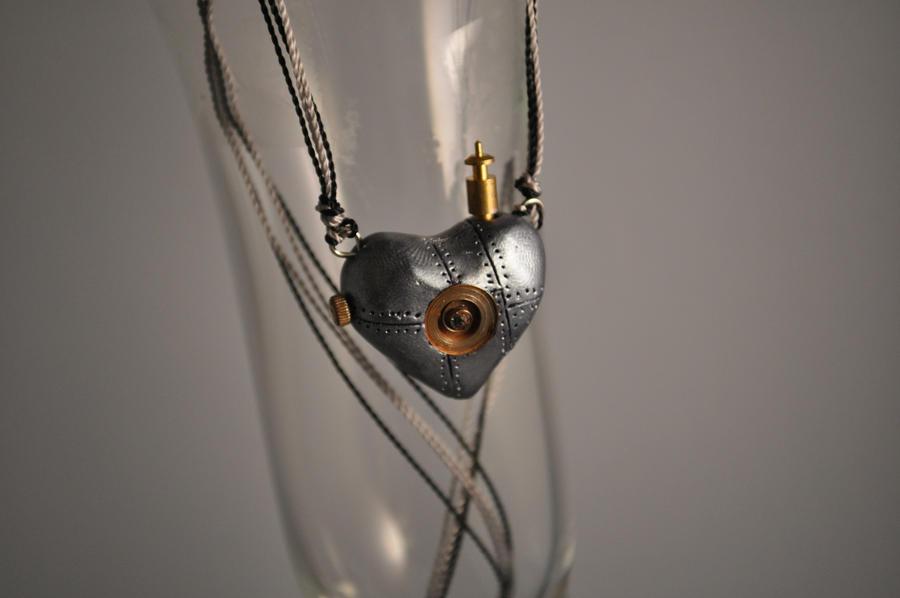 Springloaded Clockwork Heart by xNeonxXNinjax