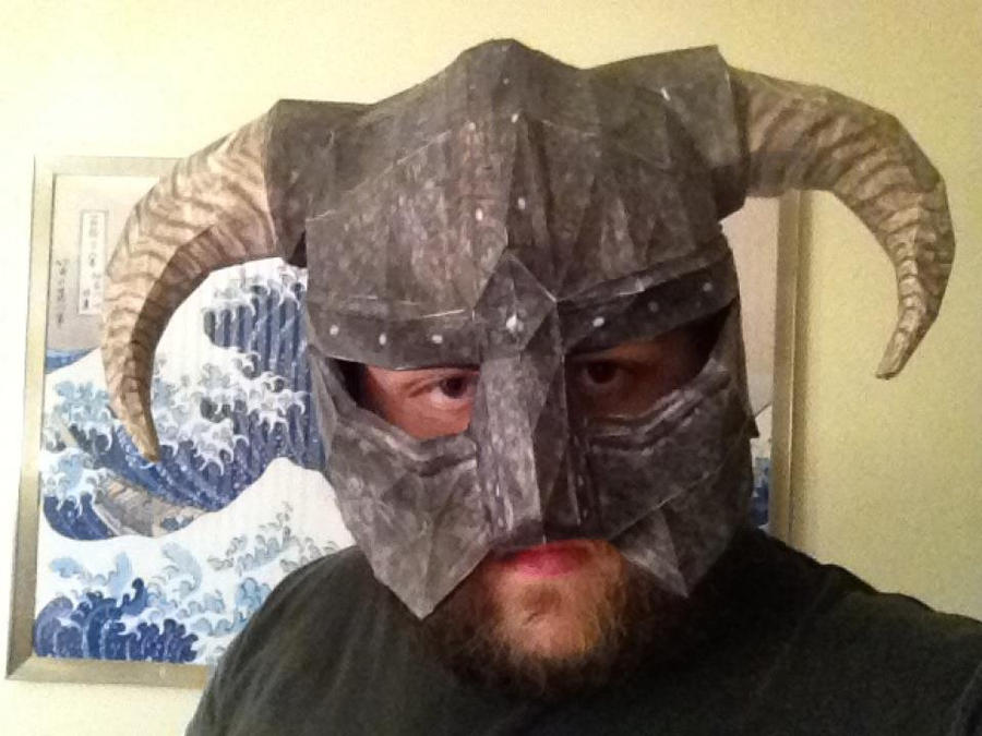 Dovahkiin Horned Iron Helmet Papercraft by k9saurus