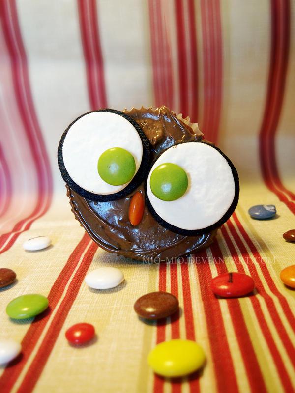 Owl cupcake by mio-mio
