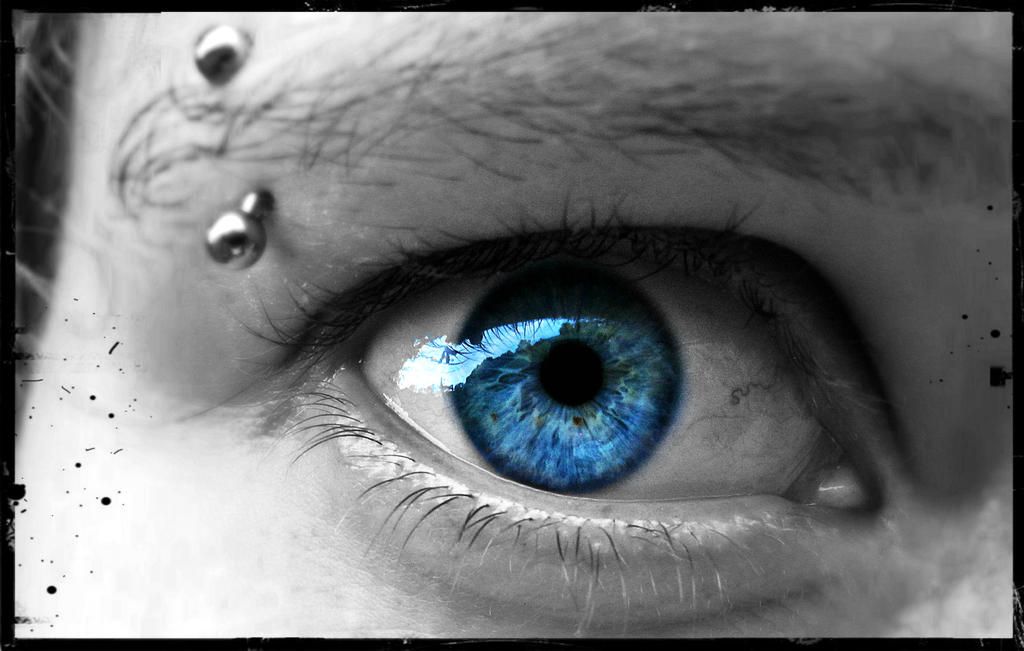 The soul lies in the eye some say.. by Xoore