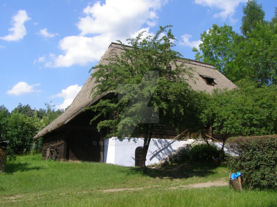 Traditional polish house by WiorkaEG on DeviantArt