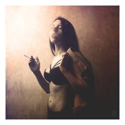 Midnight Cigarette by BardoFotografia