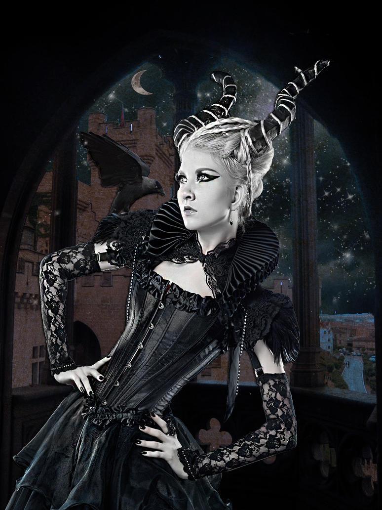 Evil Queen by TheSkyWeepsAtNight