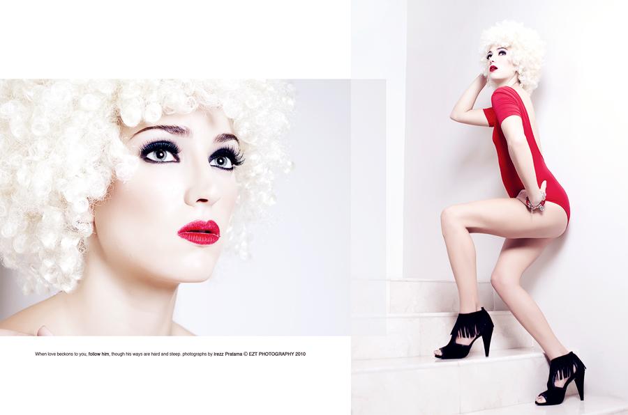 red n white by Ezt-Nazone
