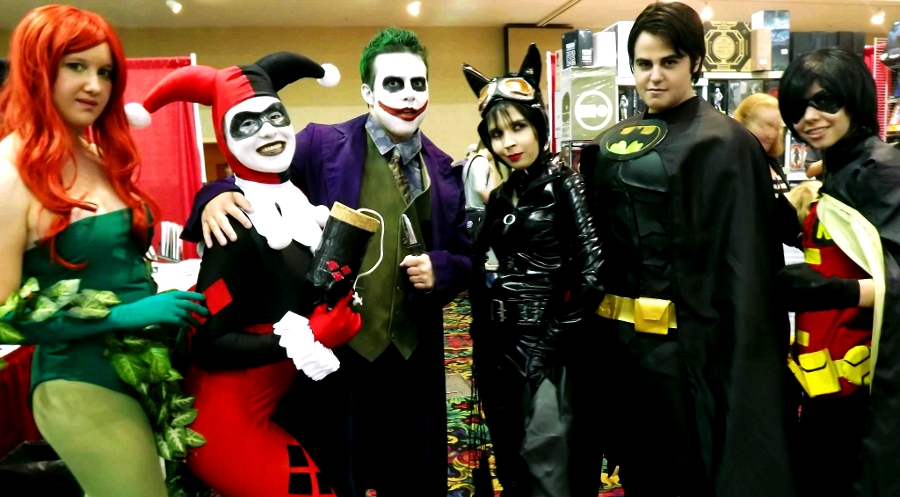 ComicExpo: Bat-Fam Meets Arkham Inmates by kay-sama