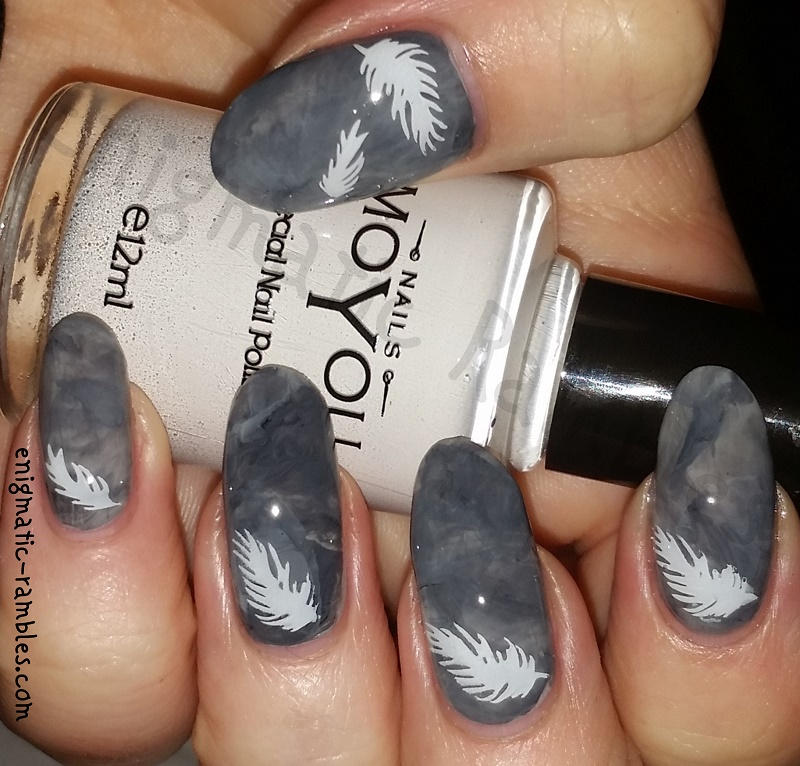 Feather Marble Nails