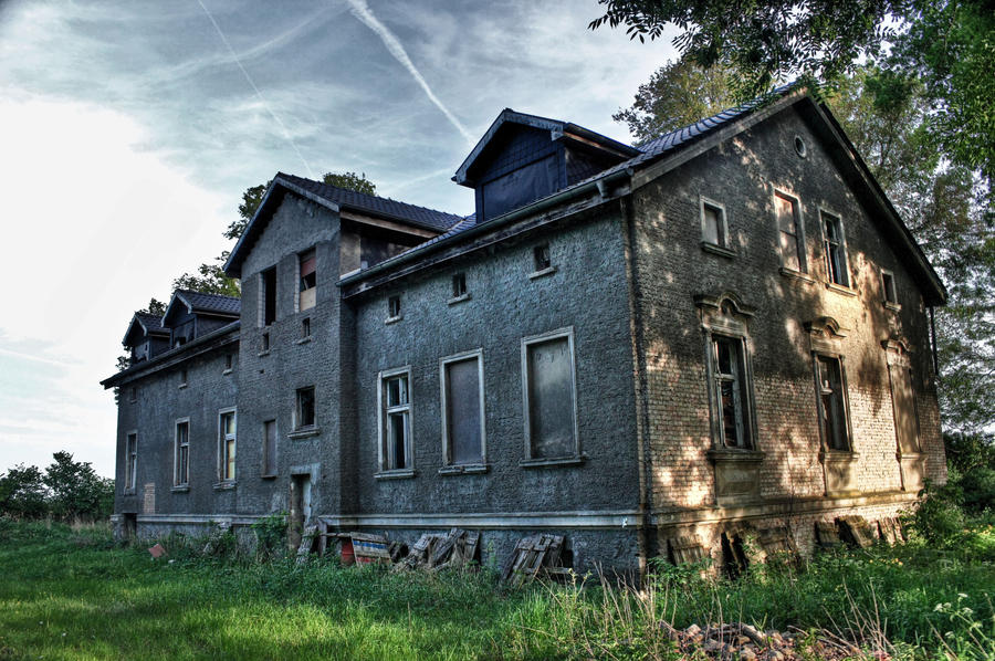 lonely mansion 2 by Skanatiker on deviantART