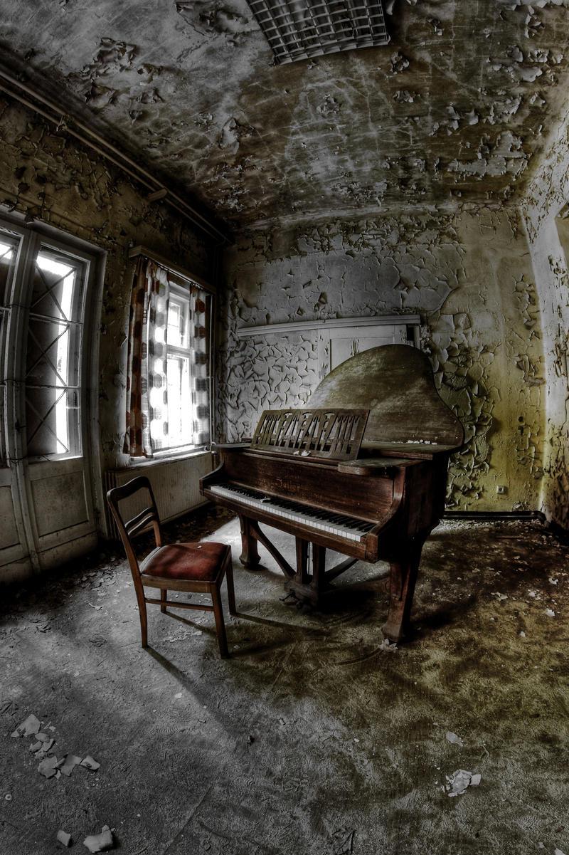 sanatorium e by Skanatiker