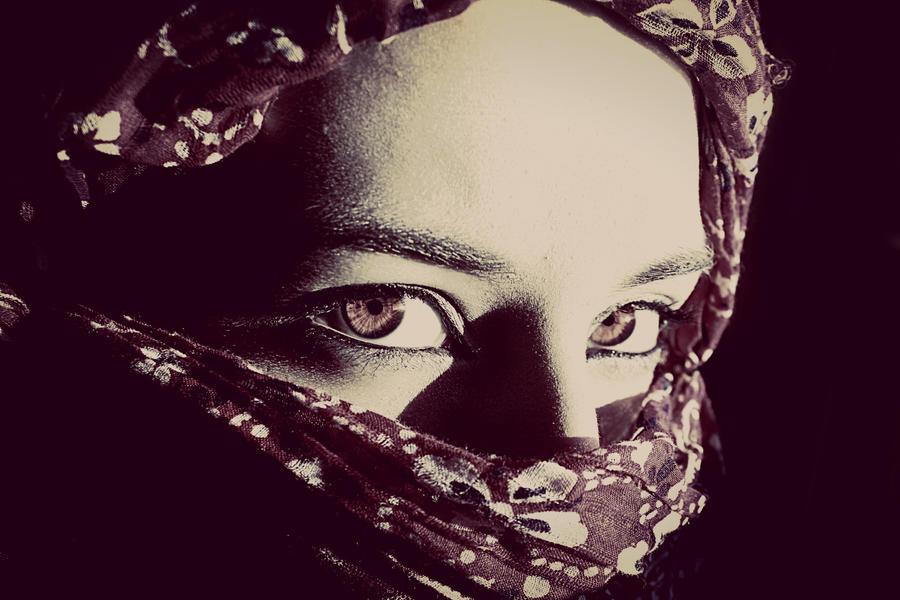 Amethyst by ZahrahLeona