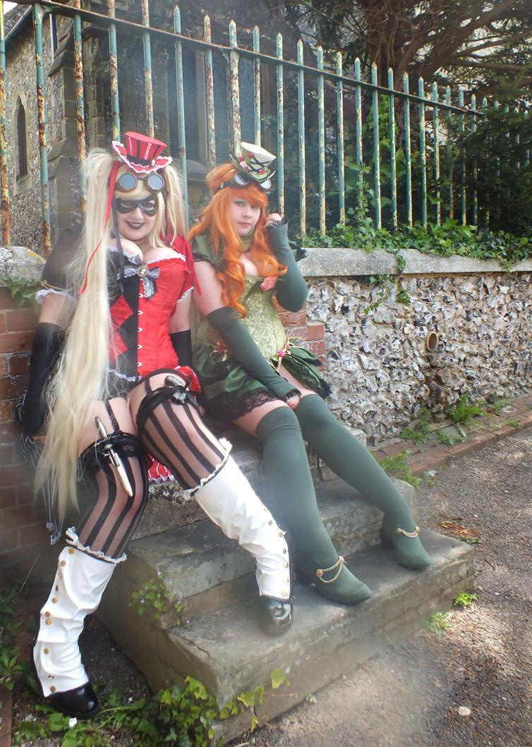Harley quinn dating poison ivy