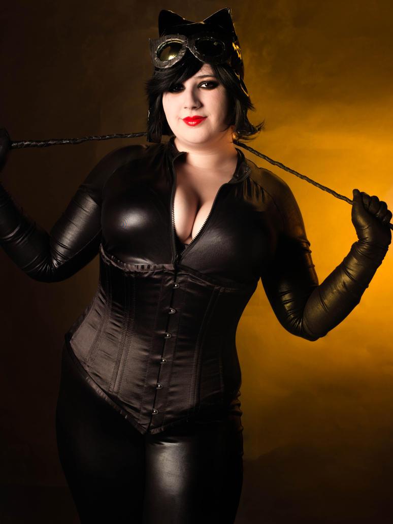 Catwoman by LanniePossum