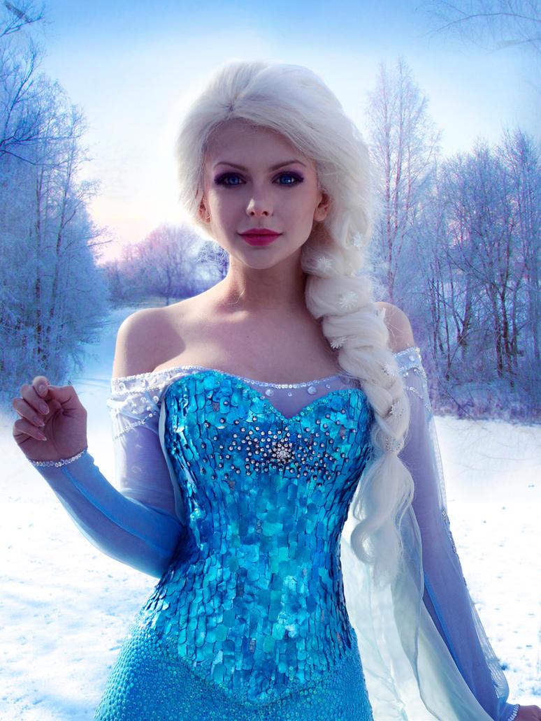 Queen Elsa of Arendelle by HannahEva