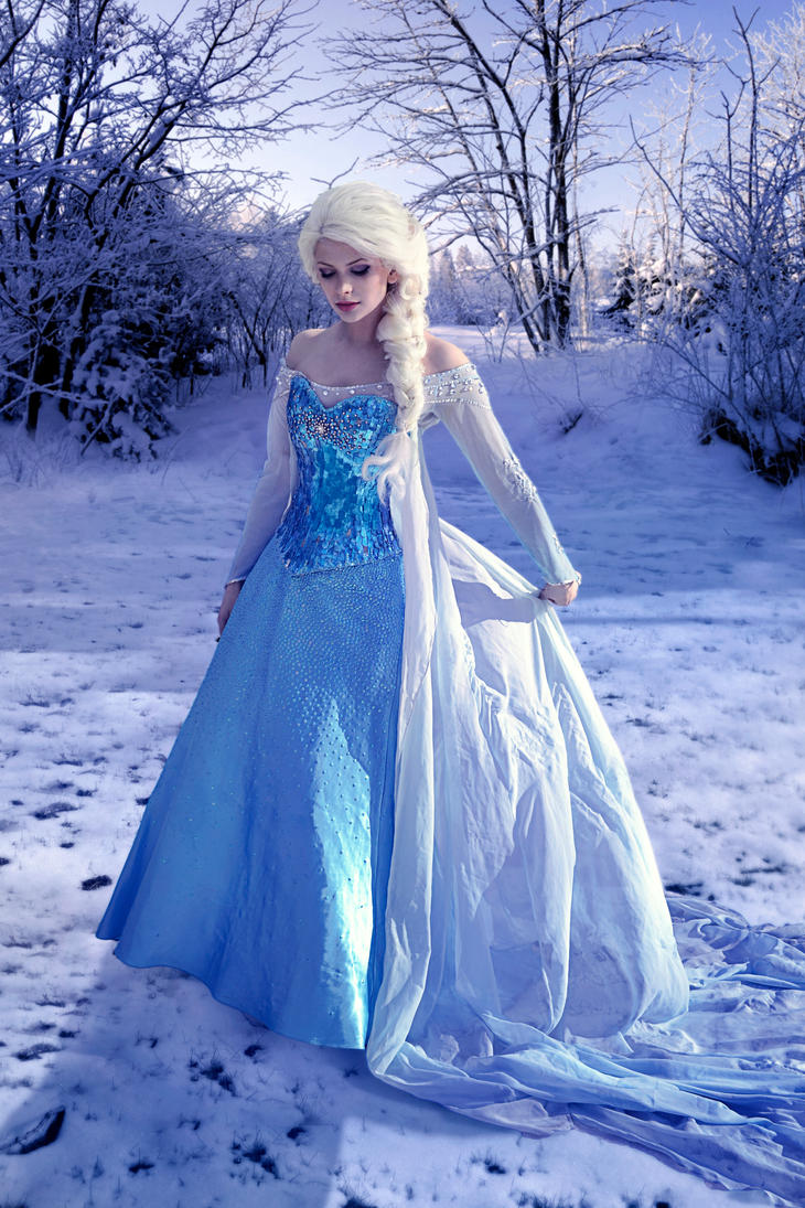 Queen Elsa of Arendelle 2 by HannahEva