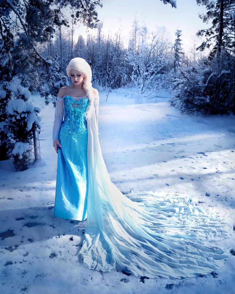 Queen Elsa of Arendelle 3 by HannahEva