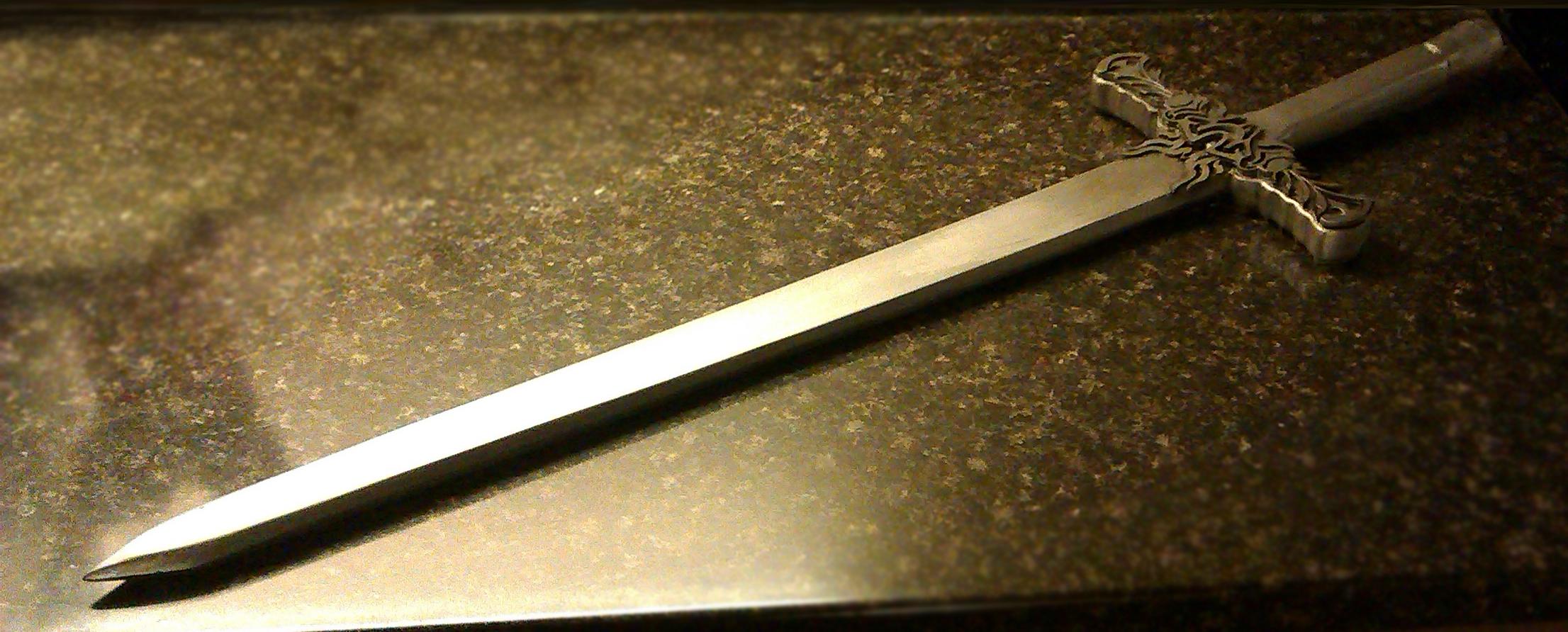 SKYRIM: Silver Sword by Fraxuur