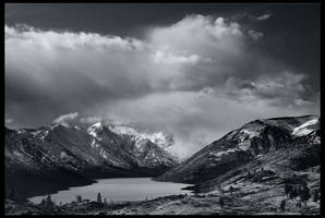 Lake Chelan BW by CezarMart