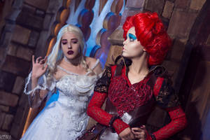 Red Queen and White Queen cosplay by FLovett