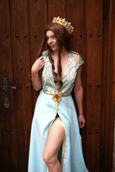 Margaery Tyrell Cosplay by LadyOfBarians
