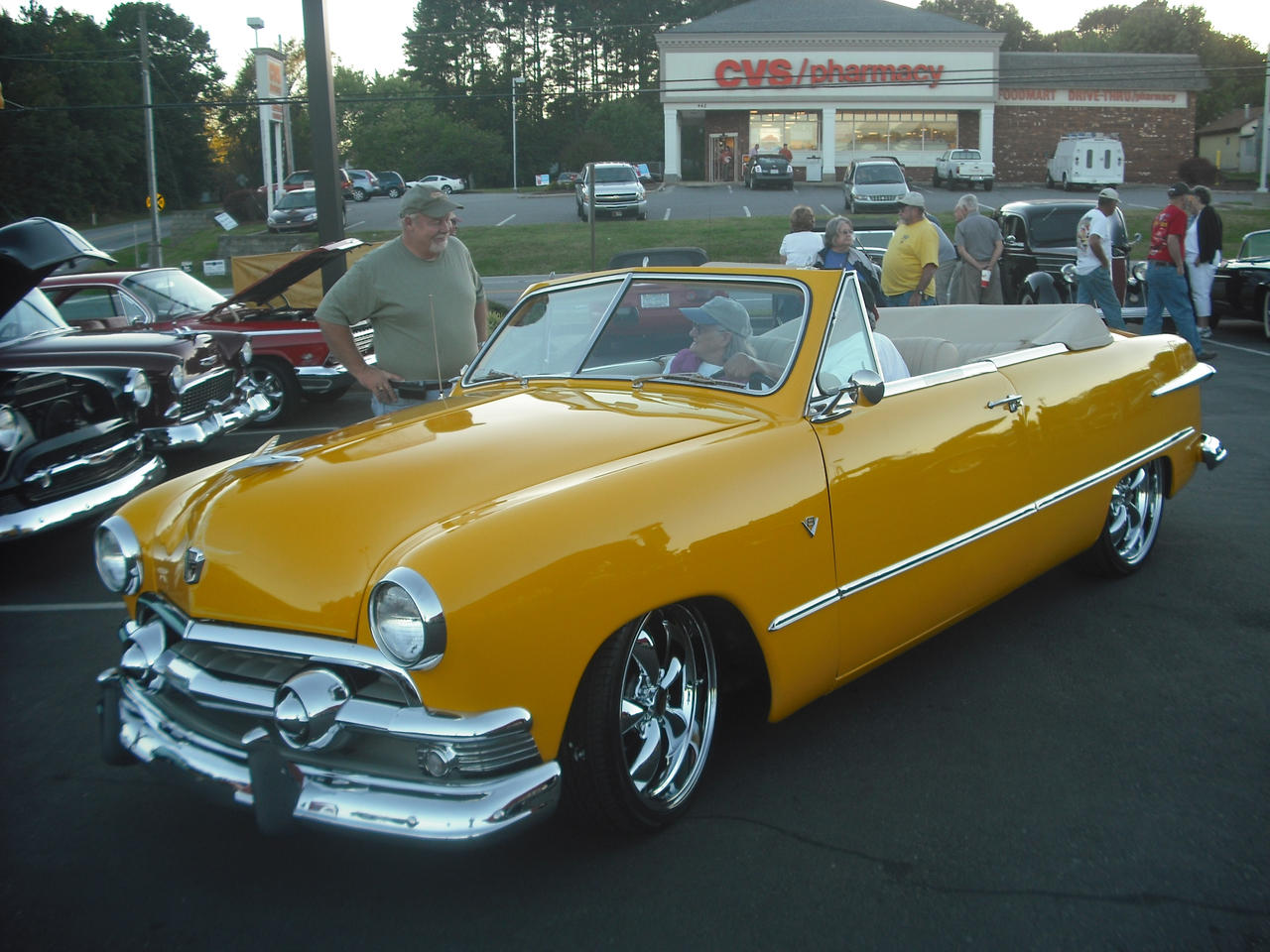1951 Ford Fairlane By Shadow55419