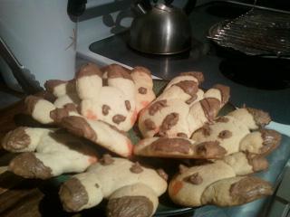 Pikachu cookies! by flyingdingo78900