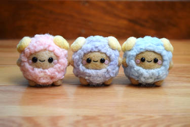 Felted Assorted Fluffy Sheep