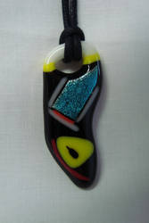 Glass pendant by Mecenatos