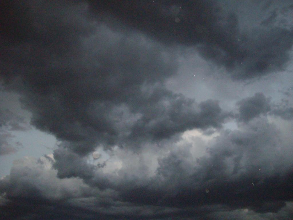Animated gray cloud