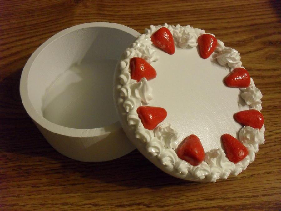 Cake box by utenafangirl