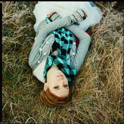 hide in grass |V