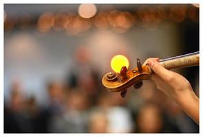 Violinist by rstcg