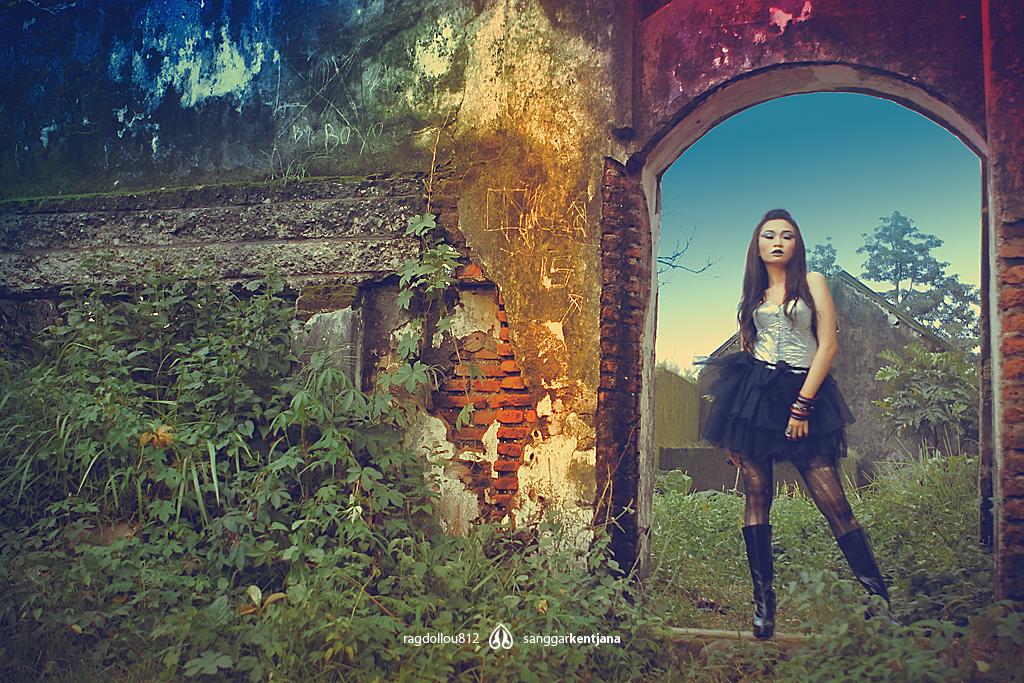 In Ruin by ragdollou812
