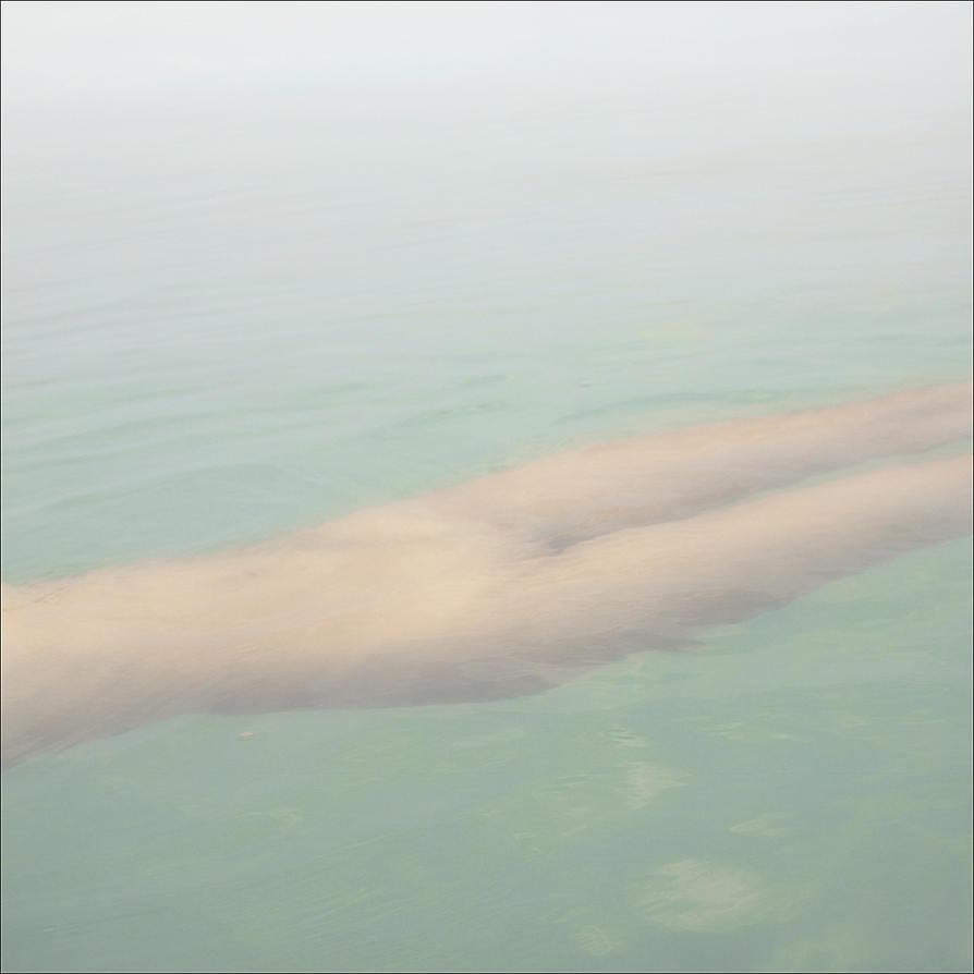 levitation by photoport