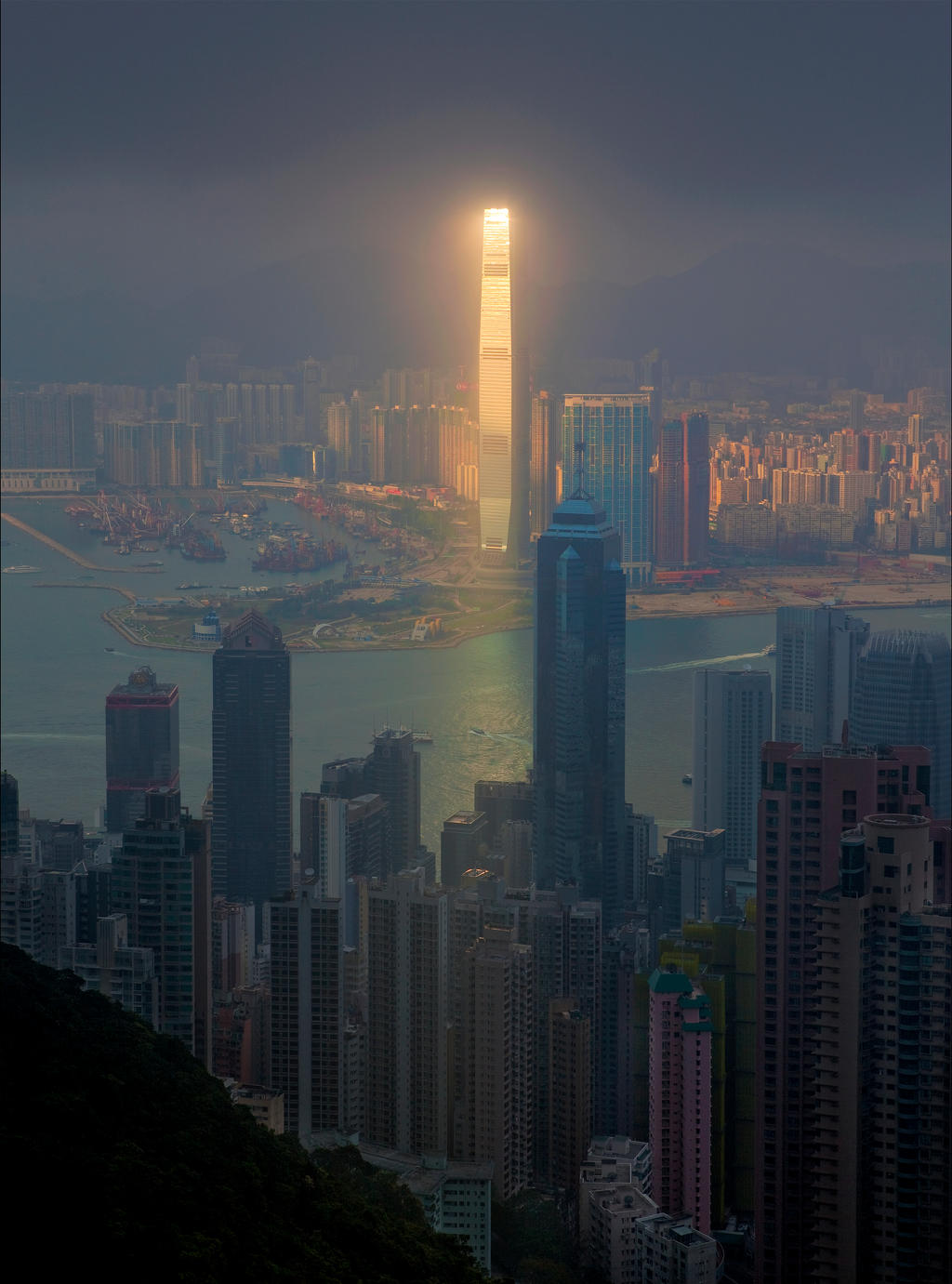 Ghostly Hong Kong XX by photoport