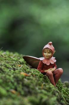 Elf statue 012