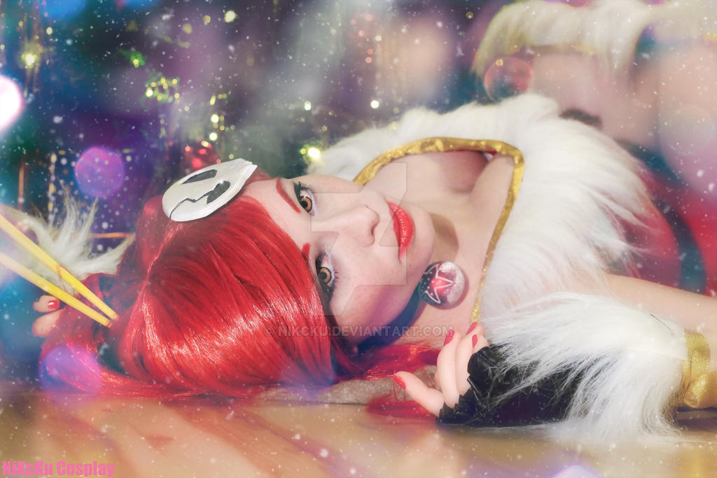 Christmas-Yoko by NiKcKu