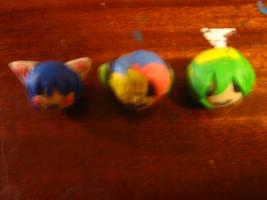 Plasticine anime head figures