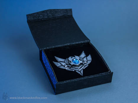 League of Legends Silver Badge Pin