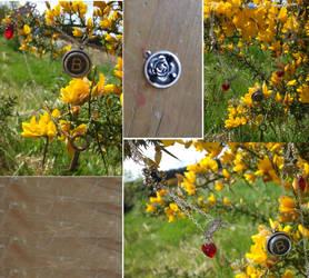 Ann Boleyn's Lost Necklace by geotigger