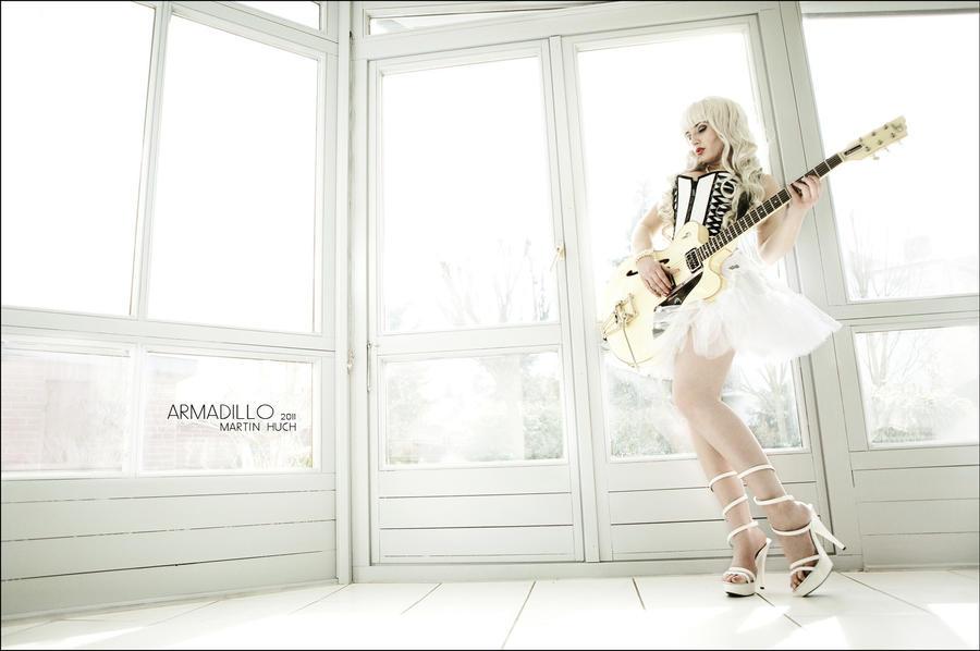 White Light by la-esmeralda