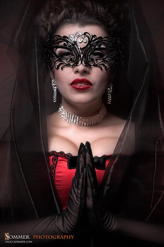 صور بنات ترتدي الاقنعة HD,صور بنات Mask للتصاميم 2016 Madonna_by_la_esmeralda-d4aifla