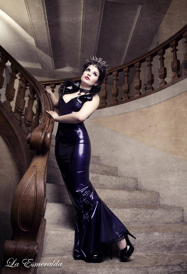 Queen of the Night by la-esmeralda