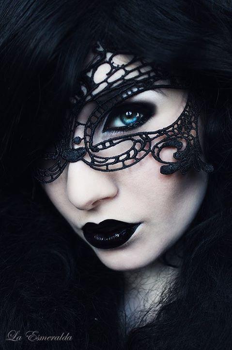 Dark Crystal by la-esmeralda