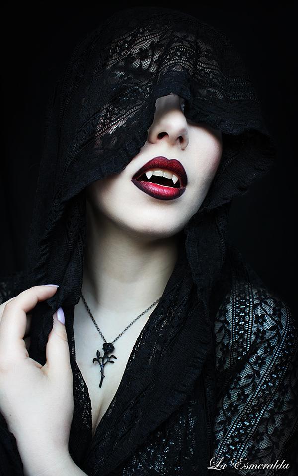 Vampire Bride by la-esmeralda