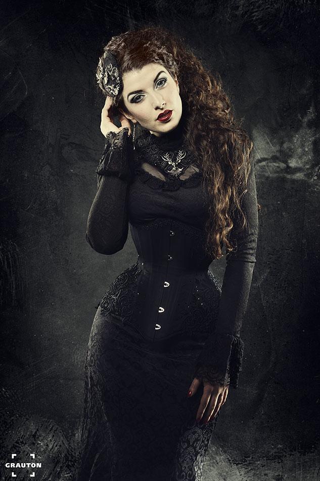 Bride of Shadows by la-esmeralda