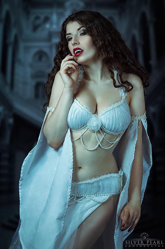 Vampire Bride -  2017 Calendar is coming! by la-esmeralda
