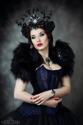 Gothic Queen II by la-esmeralda