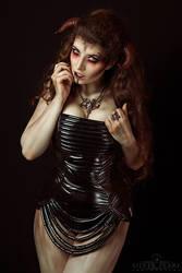 Demonic III by la-esmeralda
