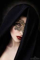 Golden Mystery by la-esmeralda