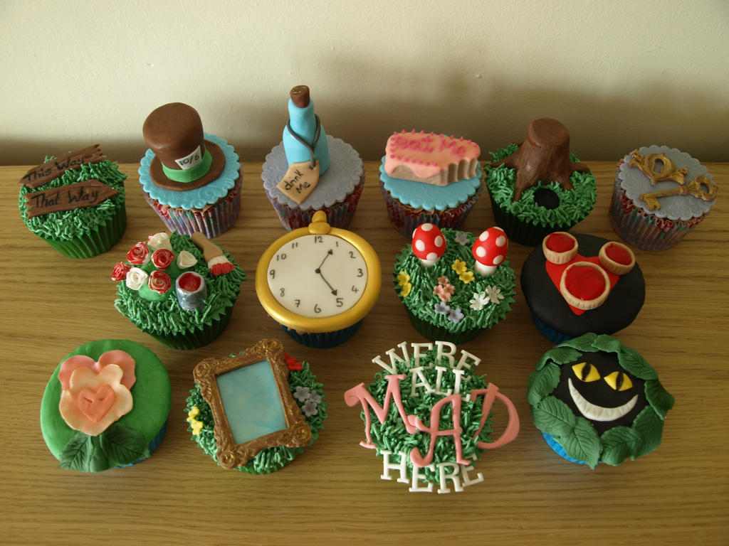 Alice In Wonderland Cupcakes by sparks1992