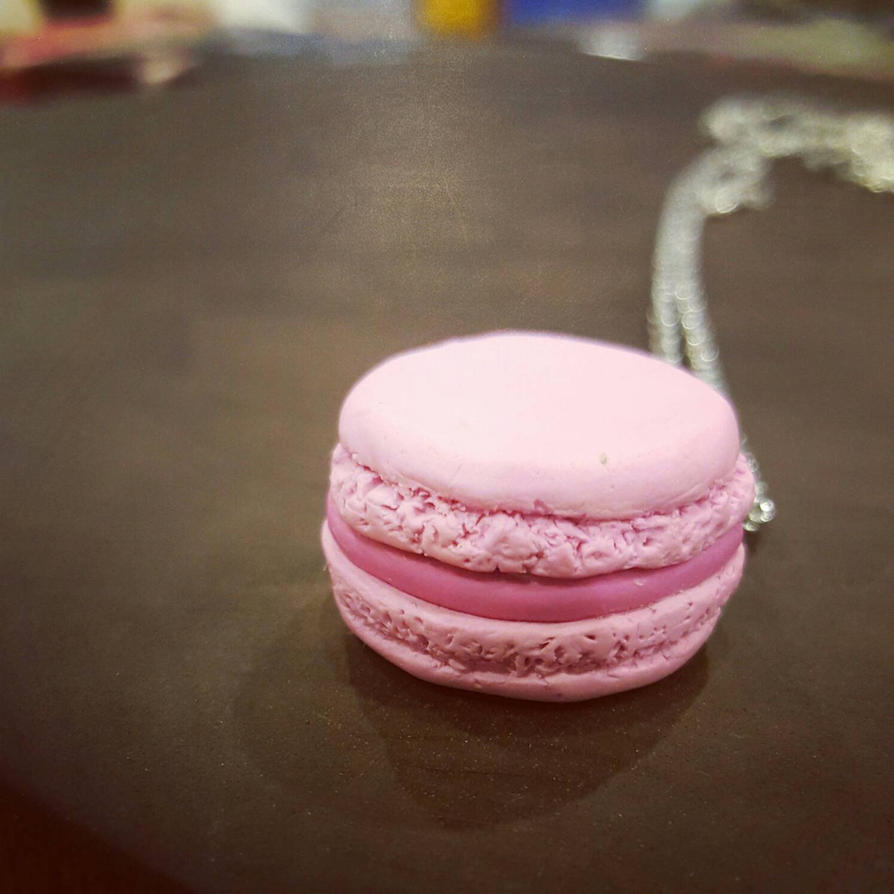 Lil macaron by Kitoniss